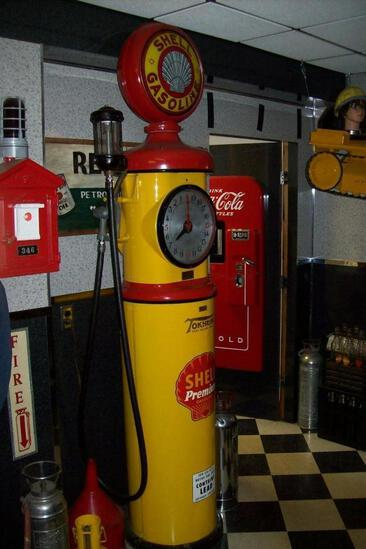 TOKHEIM MFG SHELL GAS PUMP COLLECTIBLE GAS PUMP