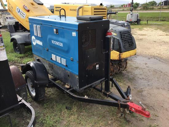2013 MILLER BIG BLUE 500D WELDER SN:MD110127E equipped with 500AMPS, trailer mounted. Located: 8807