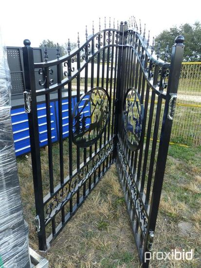 """NEW GREATBEAR 14FT. BI-PARTING WROUGHT IRON GATE NEW SUPPORT EQUIPMENT With artwork """"Deer"""" in the Mi"""