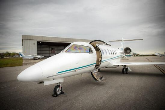 2015 BOMBARDIER LEARJET 70 Total Capacity: 9, 2-Crew, 6-Passengers, Lavatory(Acts as additional seat