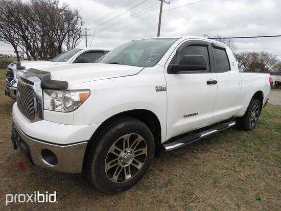 2013 TOYOTA TUNDRA PICKUP TRUCK VN:5TFRY5F18DX137665 powered by I-force 5.7L V8 gas engine, equipped