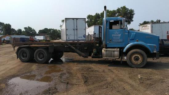 1994 KENWORTH T800 ROLLOFF TRUCK VN:N/A powered by diesel engine, equipped with power steering, roll