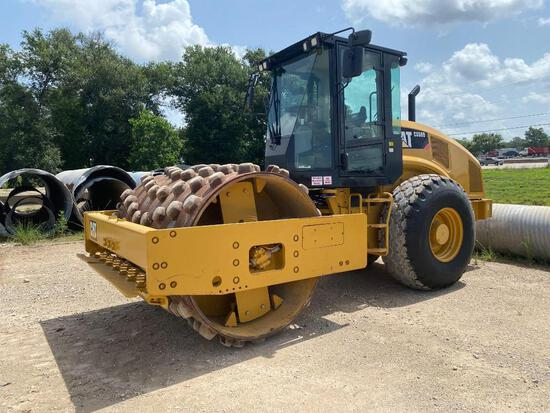 2016 CAT CS56B VIBRATORY ROLLER SN:L8H00906 powered by Cat diesel engine, equipped with EROPS, air,