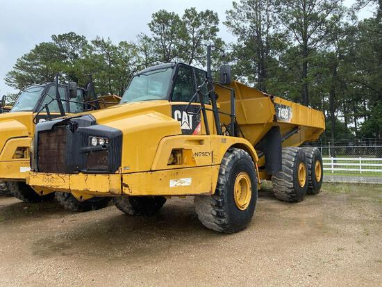 CAT 740B ARTICULATED HAUL TRUCK SN:T4RD2304 6x6, powered by Cat diesel engine, equipped with Cab, ai