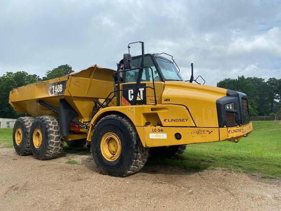 CAT 740B ARTICULATED HAUL TRUCK SN:T4RD2308 6x6, powered by Cat diesel engine, equipped with Cab, ai