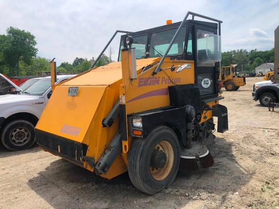 ELGIN PELICAN SWEEPER SN:59298D powered by 4 cylinder diesel engine, equipped with automatic transmi