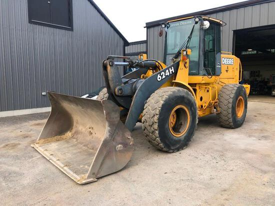 JOHN DEERE 624H RUBBER TIRED LOADER SN:584601 powered by John Deere diesel engine, equipped with ERO