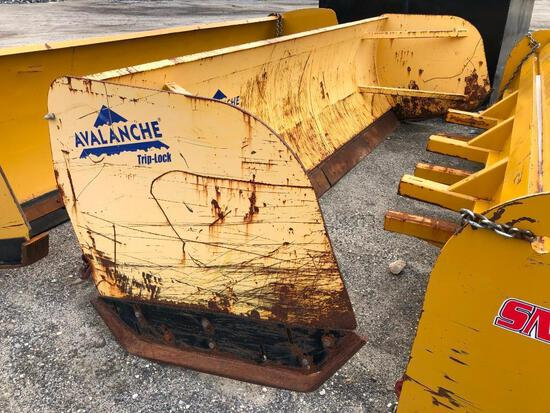 AVALANCHE LDAT-14 14FT. SNOW PUSHER RUBBER TIRED LOADER ATTACHMENT bucket lip mount.