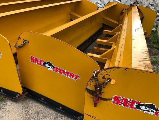 SNOW BANDIT 14FT. SNOW PUSHER bucket lip mount.