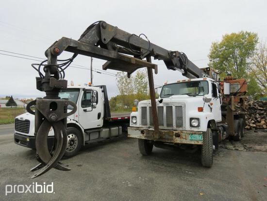 INTERNATIONAL 2374 LOG LOADER VN:N/A powered by Cummins diesel engine, equipped with Eaton Fuller tr