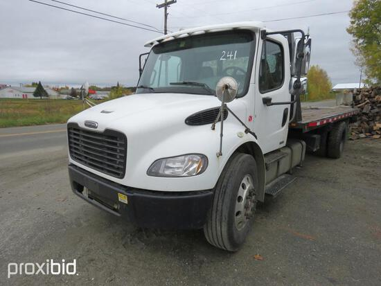 2005 FREIGHTLINER M2 ROLLBACK TRUCK VN:HV13104 powered by diesel engine, equipped with power steerin