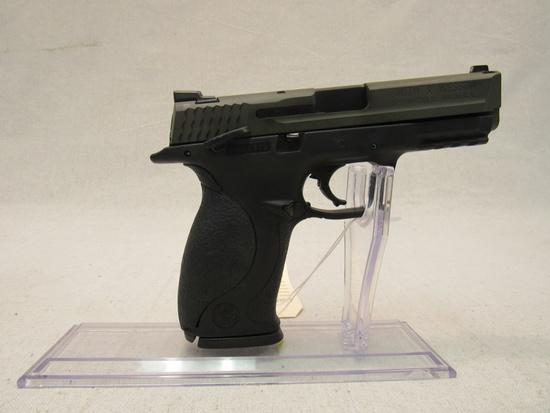 Smith & Wesson M&P40 .40-