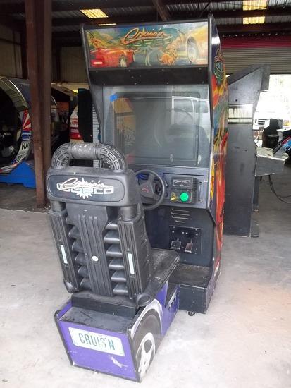 Midway Nintendo Cruis'n World Driving Arcade Game