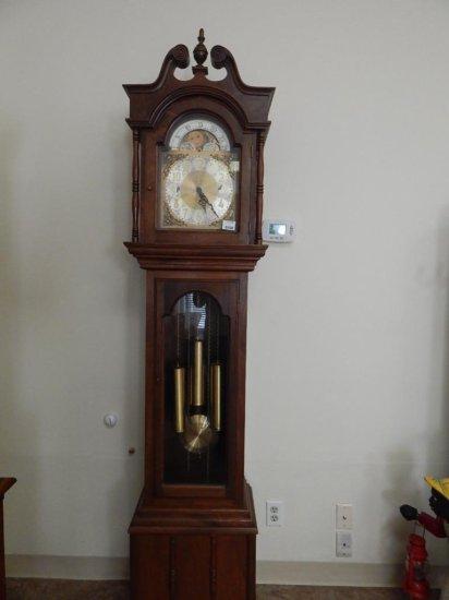 "86"" Vintage Walnut Grandfather clock"