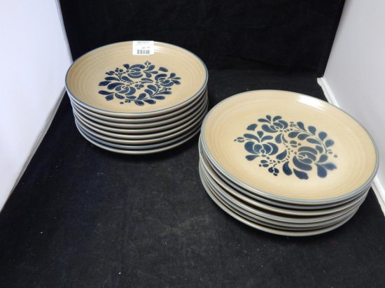 Pfaltzgraff Co Pottery Lot of 15 Dinner Plates