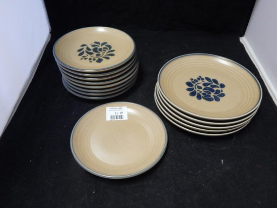 Pfaltzgraff Co Pottery Lot of 14 Small Plates