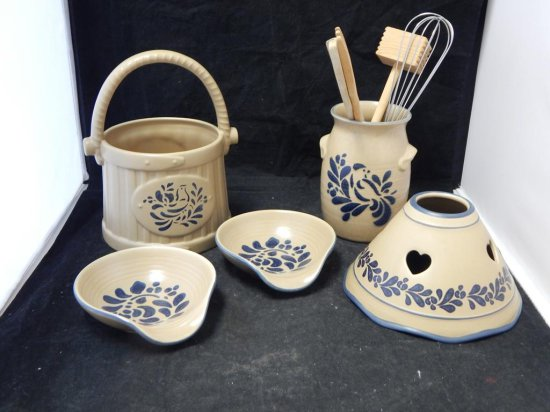 Pfaltzgraff Co Pottery, Tray lot of kitchen accessories