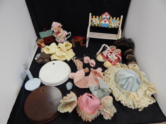 LOT OF MISC DOLLS ACCESSORIES
