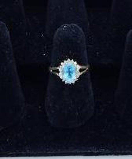 10 kt gold, blue topaz & diamond ring size 6.75