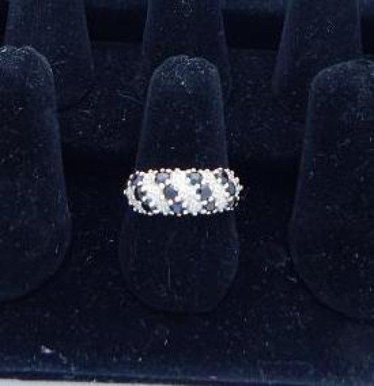 10 kt gold diamond & sapphire ring size 9
