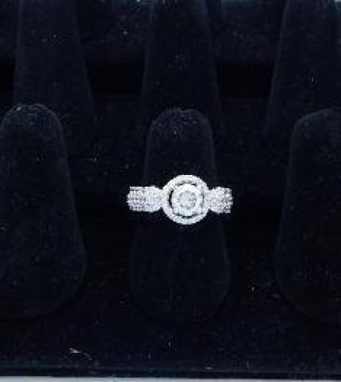 Sterling 925 stamped moissanite ring size 7.25 NEW