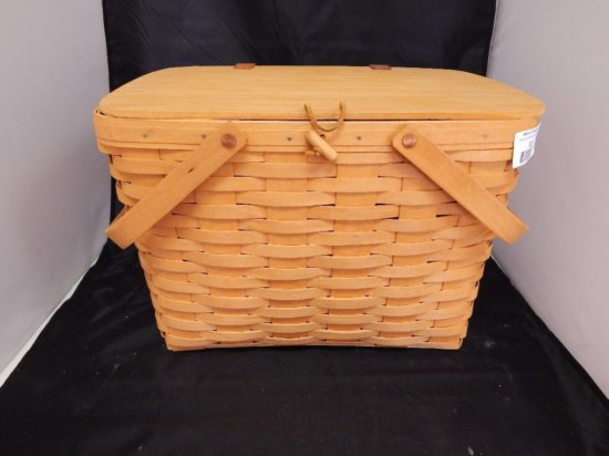 Longaberger 1998 Picnic Basket with attached lid, two movable handles, plastic liner, and pie stand