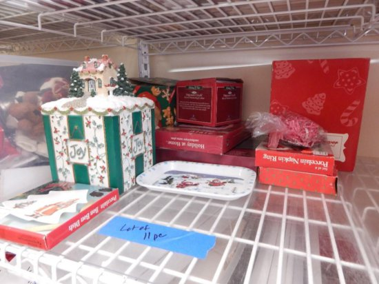 11 piece assorted Christmas kitchen lot