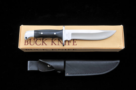 Early Buck Model 124 Frontiersman Knife