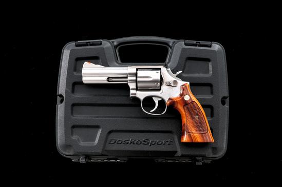 S&W Model 686 Distinguished Combat Mag Revolver