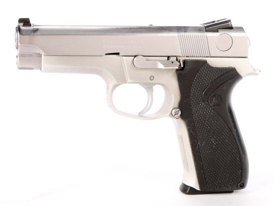 Smith & Wesson Model 5943 in 9 MM Para.