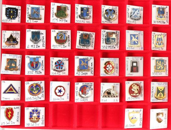 U.S. Army Crest Pins (32)