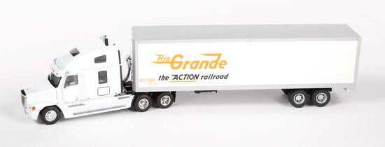 Freightliner 3-Axle Tractor w/Rio Grande Box Trailer