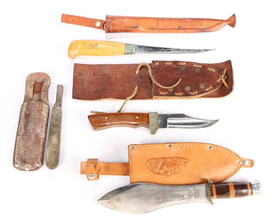 3 Hunting Knives