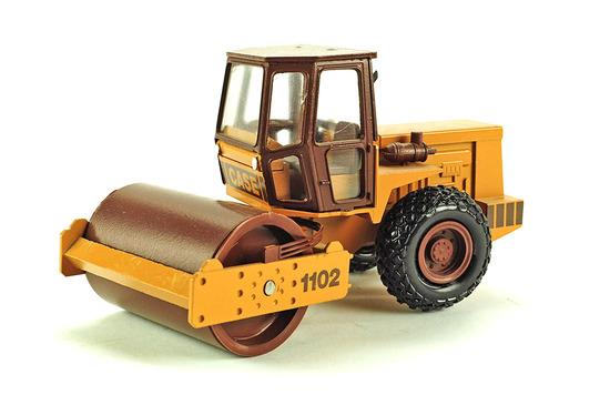 Case 1102 Compactor