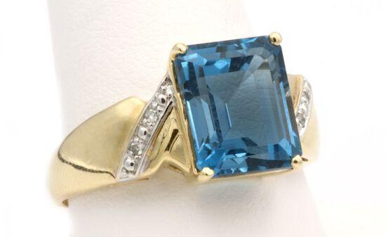 14K Gold & London Blue Topaz Ring