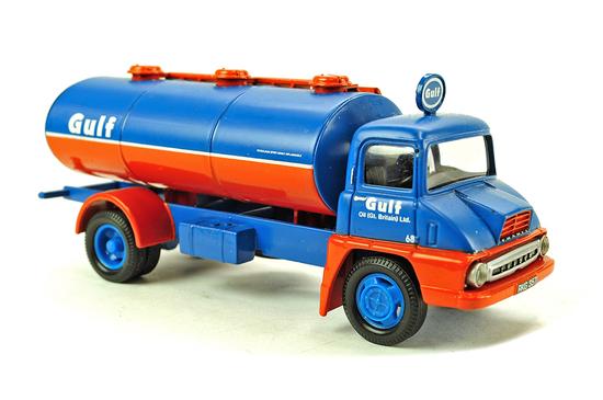 Thames Trader Elliptical Tanker - Gulf Oil