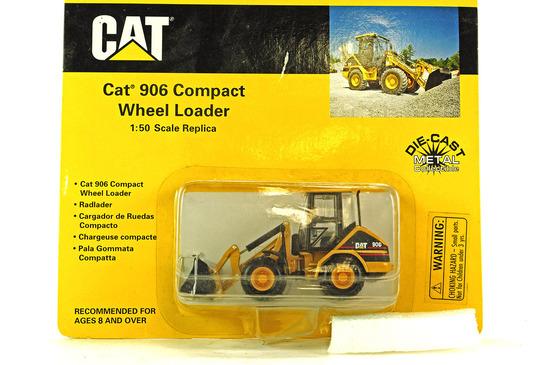 Caterpillar 906 Compact Wheel Loader