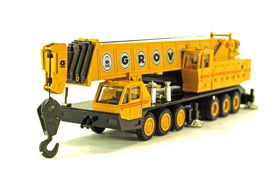 Grove TM1500 Mobile Crane