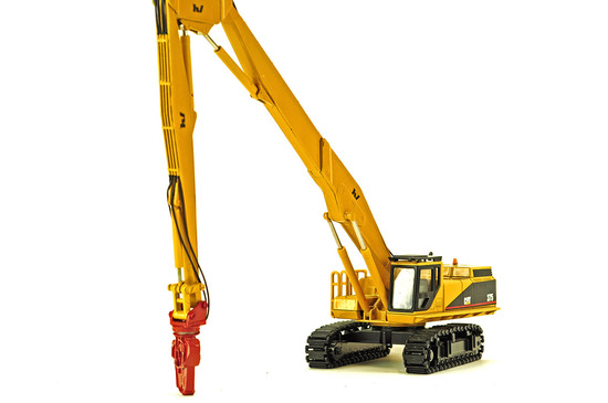 Caterpillar 375 Long Reach w/Demolition Excavator