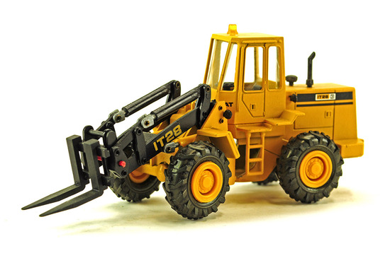 Caterpillar IT28 Lift Truck