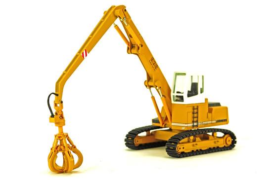 Liebherr R932 Excavator w/Grapple