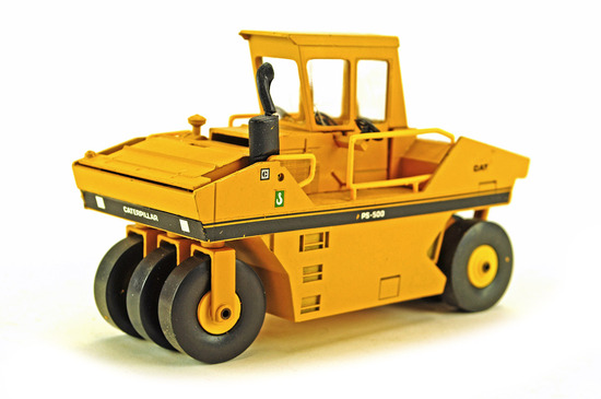 Caterpillar PS-500 Compactor - Straight Steps