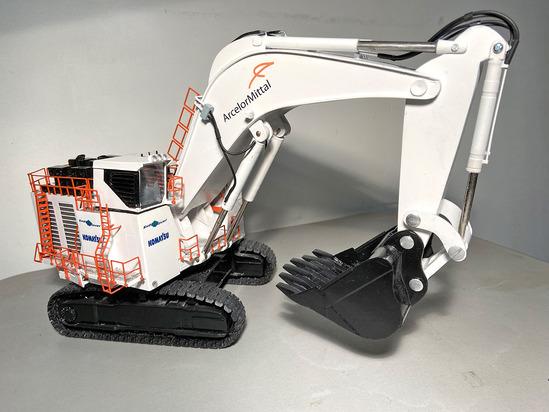 Komatsu PC8000 Excavator - Arecelor Mittal