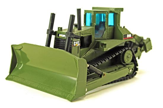 Caterpillar D9N Bulldozer - Military