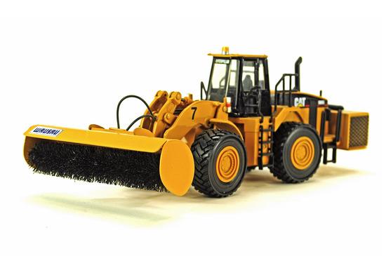 Caterpillar 983 Loader w/Broom Attachment