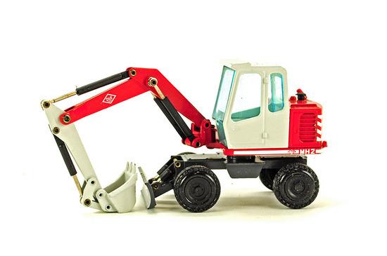 O&K MH2 Mobile Excavator