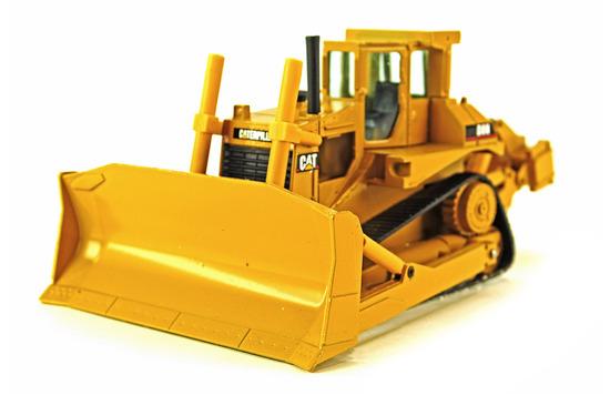 Caterpillar D8N Bulldozer - ARMBRO