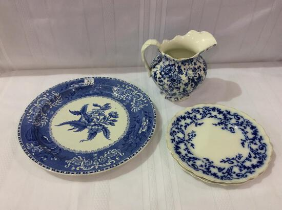 Group of Blue & White Dishware Including