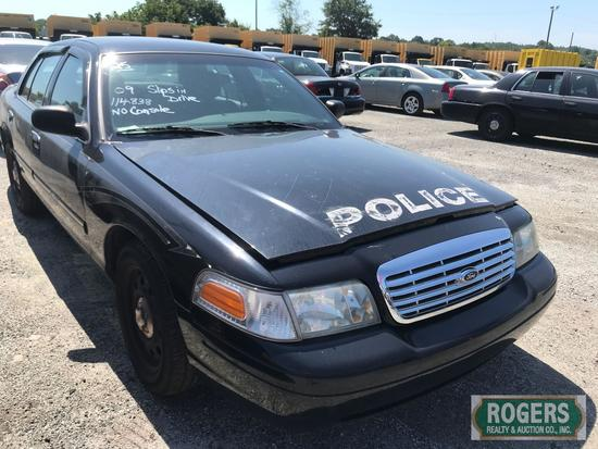 2009 Ford Crown Vic, 4.6, 114838 miles, Has Shield, No Console, 2FAHP71V89X125463, Slips in Drive