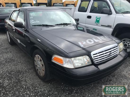 2009 Ford Crown Vic, 4.6L, , No Console, 102422 Miles, 2FAHP71V39X125452
